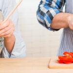 Sesamcracker belegd met paprikasalade proteinedieet proday