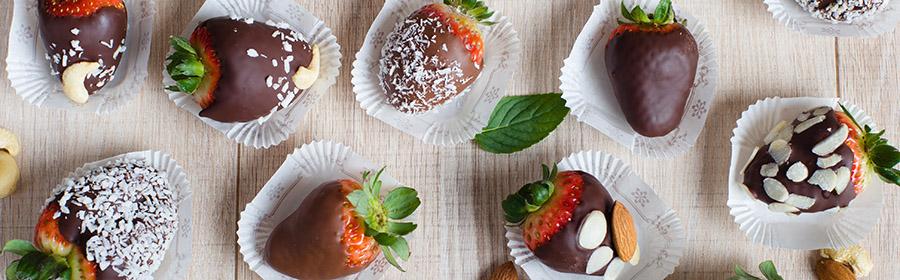 gezonde-hapjes-dieet-chocolade-aardbeien